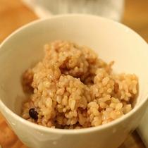 ご飯は酵素玄米。 兵庫県産の無農薬玄米を3日間寝かしました♪