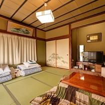*【和室/6~8畳】大きな窓から光が差し込み明るい空間。