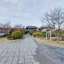*【外観】1200坪の敷地をもつ、心がほっと和む純和風の旅館です。