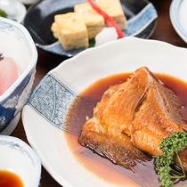 *【グレードアップ夕食】通常プランの夕食内容にメイン料理を1品追加しボリューム満点!