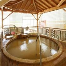 *増富ラジウム源泉峡・増富の湯/温度の異なる4種のかけ流し源泉風呂があります!