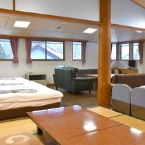 *客室一例/大部屋ではベッドや畳、お好きな場所でお休みいただけます。