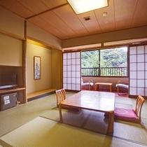 和室(バス・トイレ付10畳)