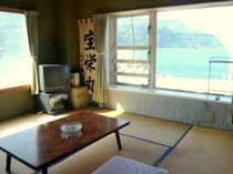 2階客室から海を望む風景