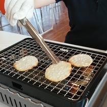 *【オランダせんべいファクトリー】せんべい焼き体験!当館プラン限定でせんべいが10枚に増量!