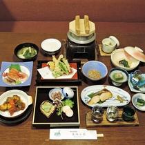*【夕食/一例】庄内の食材をふんだんに使用しております。