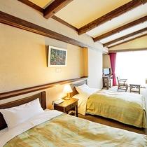 *【洋室/一例】ベッドが二つあるタイプのお部屋で、眺望も抜群です。