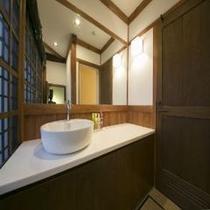 山桑の部屋2階洗面台