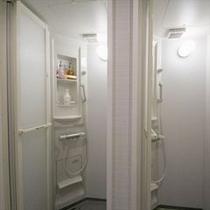 シャワールーム(共用)