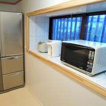 *キッチン/大きな冷蔵庫があるので長期滞在、大人数での合宿などにも利用できます!