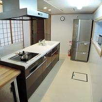 *キッチン/みんなで立っても充分な広さ。ワイワイとお料理をお楽しみください☆