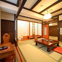 *伝統的な日本間に洋風のインテリアを取り組んだ客室。(一例)