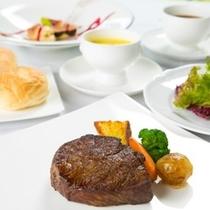【豊後牛ステーキ】柔らかい肉質と濃厚な味わいが人気です