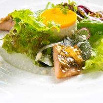 【お料理一例】色鮮やかな季節の料理