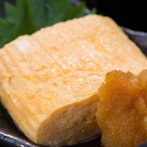 *ご朝食一例/朝の定番-ふわふわの卵焼きは大根おろし醤油を添えて。