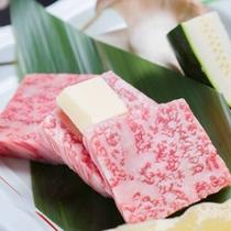 *お夕食一例(神海懐石コース)/きめ細やかな肉質、その味は香ばしく、肉そのものの風味に優れています。