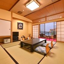 *新館和室10畳(客室一例)/全室オーシャンビュー。心地よく波打つ潮騒に癒される休日をお過ごし下さい。
