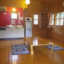 *コテージ/ミニキッチンや電子レンジも設置されていて長期滞在にも便利です。