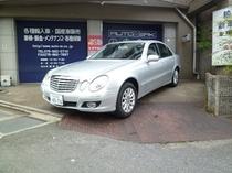 ベンツE300 などのレンタカーを特別価格でご用意できます Rent a car