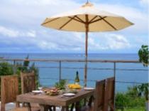 The Ocean   広大な海を眺めながら朝食を