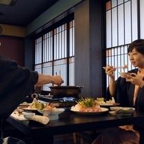 【滞在イメージ】ご夕食は紅特製「米の娘豚の錦鍋」会席膳の他、旬の最上の味覚をご堪能ください