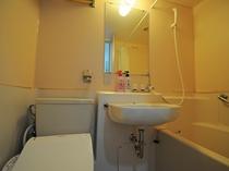 【客室】バストイレと洗面台