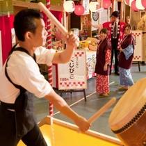 【お祭り広場】週末はホテルでお祭り気分♪夏季シーズンは毎日行われます。