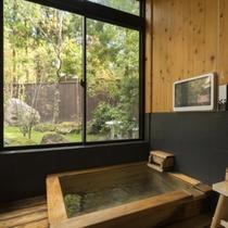 特別室「由布の泉」の内風呂