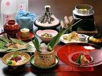 ご夕食 ※季節によって一部内容が異なる場合がございます。