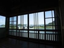 お部屋から見える球磨川の景色をお楽しみください。