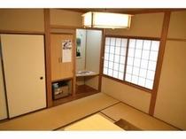 個室しょうぶ(8畳)