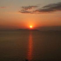 瀬戸内海に昇る朝日