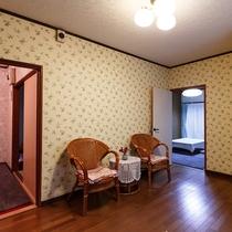 ●ひまわり 玄関より居間を見る