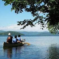 *夏/屈斜路湖の壮大な風景を目の前に、さあ冒険のスタート!