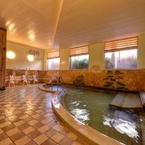 *大浴場/泉質はナトリウム一塩化物泉。神経痛、筋肉痛、関節痛、五十肩などの効能に◎