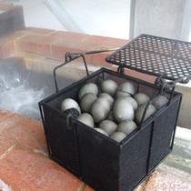 黒い温泉タマゴ「蒸気玄(じょうきげん)」