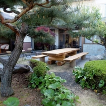*【庭】四季の植栽を楽しめる庭園。