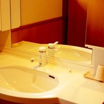 *【洗面台】水回りもきれいです。