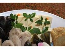 素材の風味を大事にした、平戸田舎の伝統料理のお煮しめです。