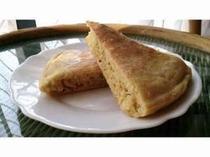 自家製のデザートです。栽培している小麦で作った健康食です。