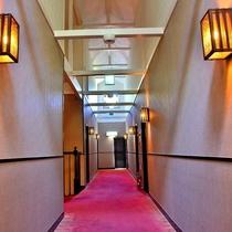 ◆天井の高い2階廊下は開放感たっぷり
