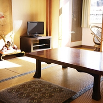 *和室(8畳)/純和風のお部屋で安らぎと寛ぎの時間をお過ごしください。