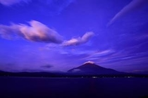 青が似合う富士山