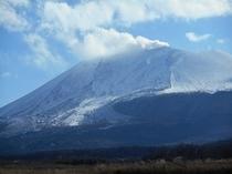 雄大で美しい姿を見せる浅間山