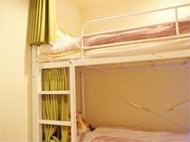 6人部屋ベッド
