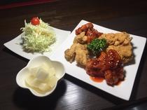 ヤンニョンチキン(韓国若者に大人気な韓国風チキン料理)