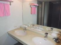 ホテル客室ツイン洗面所