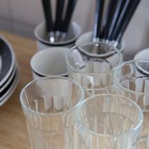 調理器具、食器類をご用意(キッチン)