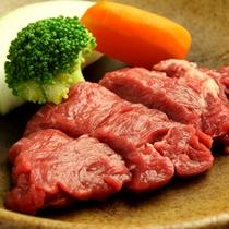 【お料理一例/夕食】山形牛のステーキ。冬はジンギスカン鍋や鴨鍋等をご用意致します。