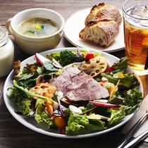 レストラン&デリ「RAGOUT & WHISKY HOUSE」_ランチ